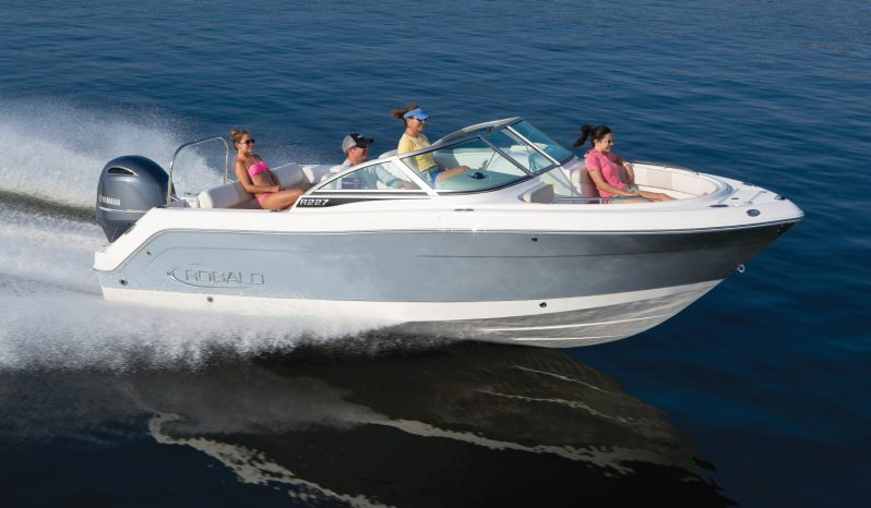 Robalo R227 Crossover – new boat order full